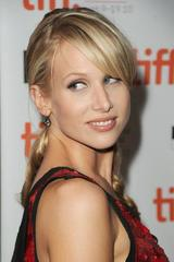 Lucy Punch image 9